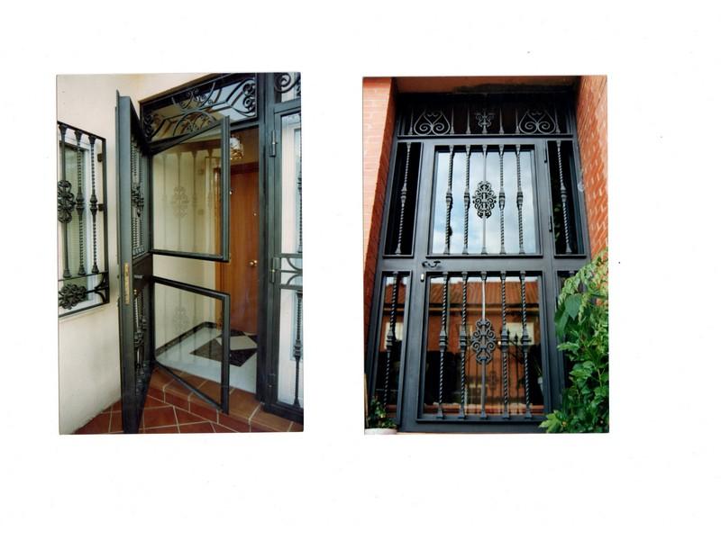 ADORNO SALOMONICO - Puertas de hierro y cristal