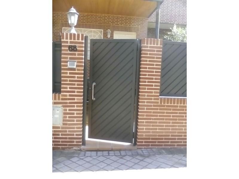 CHAPA ESPIGA TIRADOR INOX - Puertas metálicas
