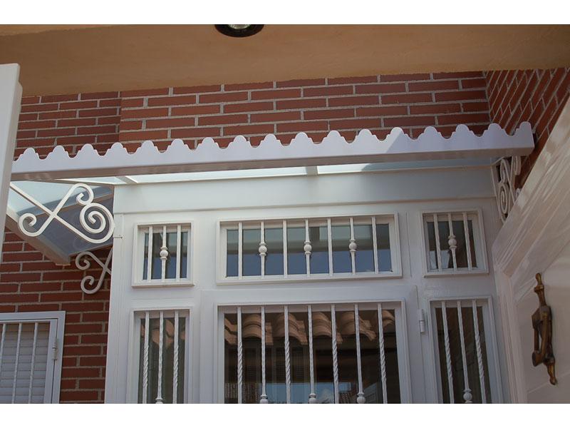 DETALLE FRONTAL TEJADILLO 800 600 - Pergolas y porches