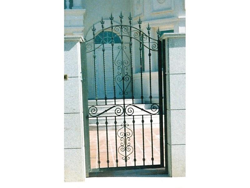 barrotesalomonicomac.pequeñasyadornodepletinaarcodoble - Puertas de forja