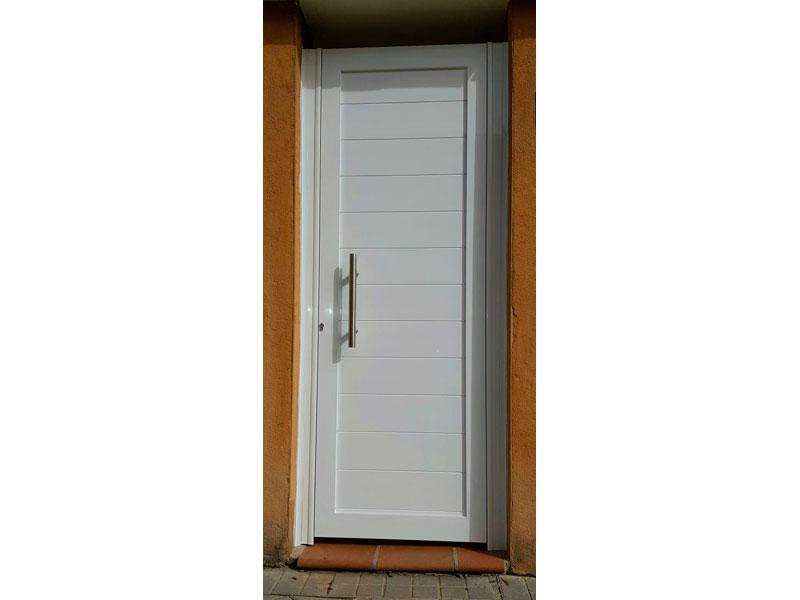 puerta aluminio LINEAL bLANCO NUEVO 800 600 1 - Puertas de garaje de aluminio