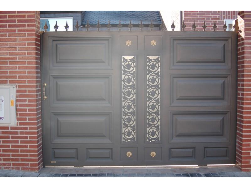 CARRUAJESABATIBLE90X47.5CONCRISTALYSOLERA - Puertas de garaje metálicas