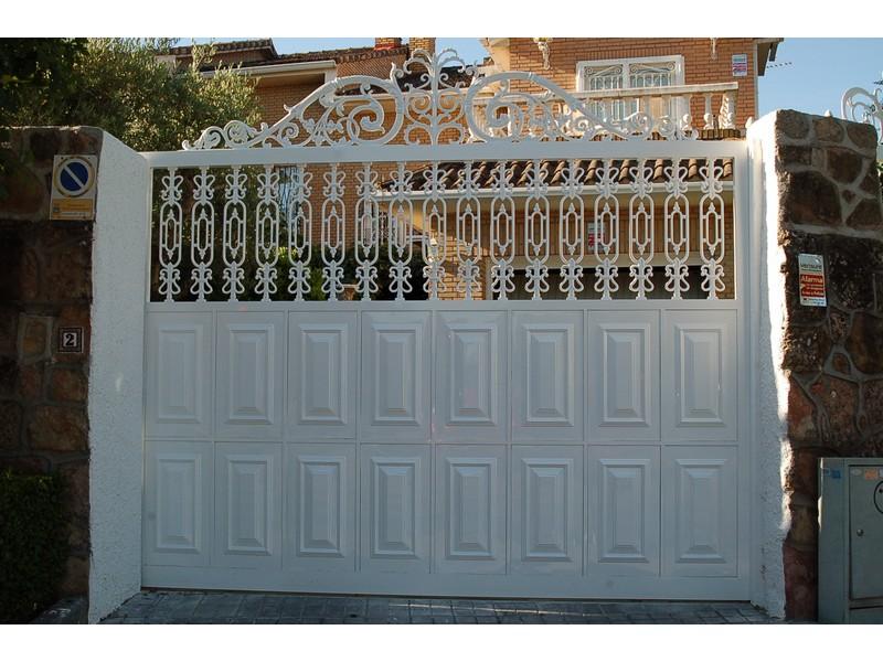 CORREDERA ALUMINIO FUNDIDO - Puertas de garaje de aluminio