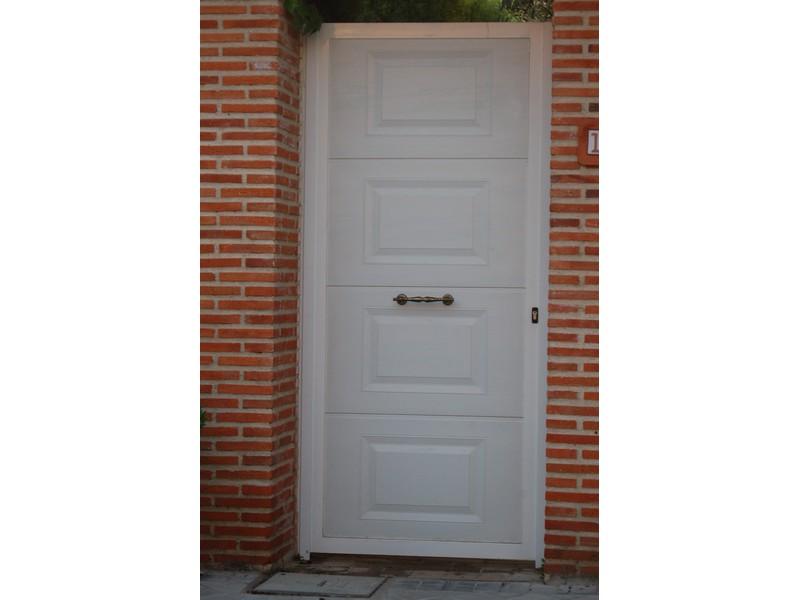 PEATONAL CUARTERON BLANCO - Puertas paneladas